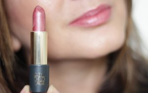 Gilded Cage Beauty Unleashed lipstick 107