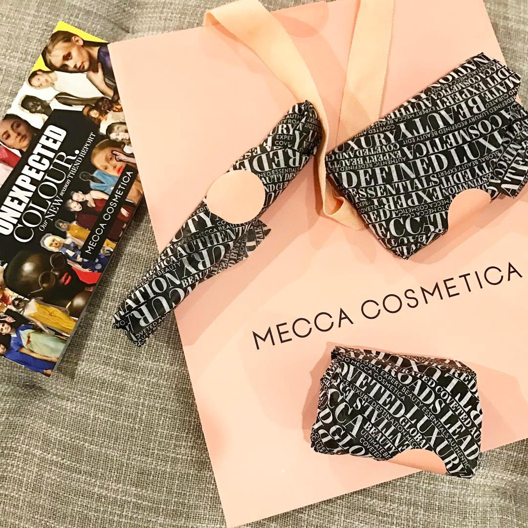 Yesterday I had a make up lessson at meccacosmetica athellip