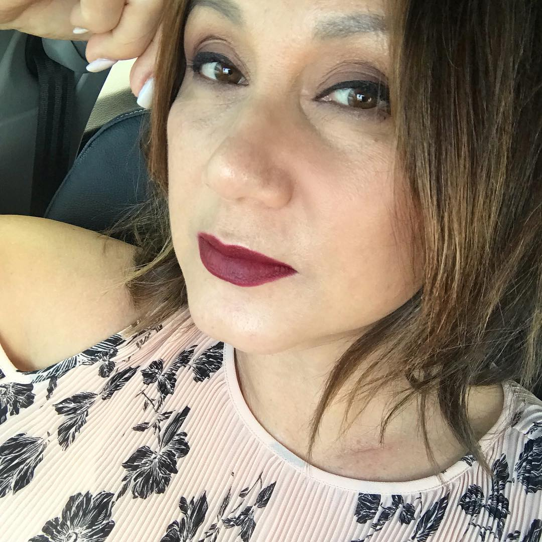 Happy Friyay Fashionistas! Dark lips are not just for thehellip